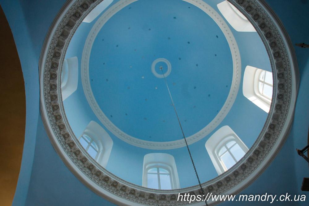 реконструкція церкви в Буртах