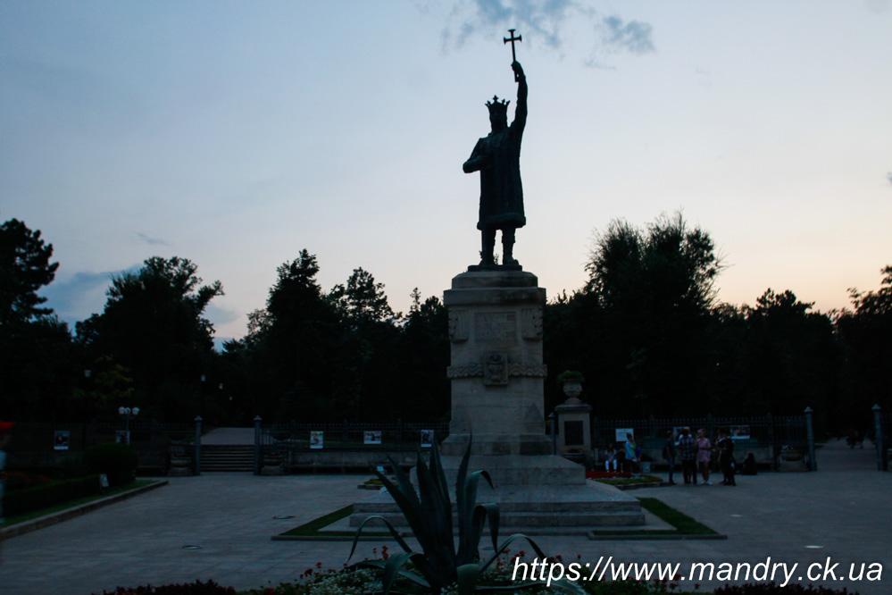 пам'ятник Штефану чел Маре