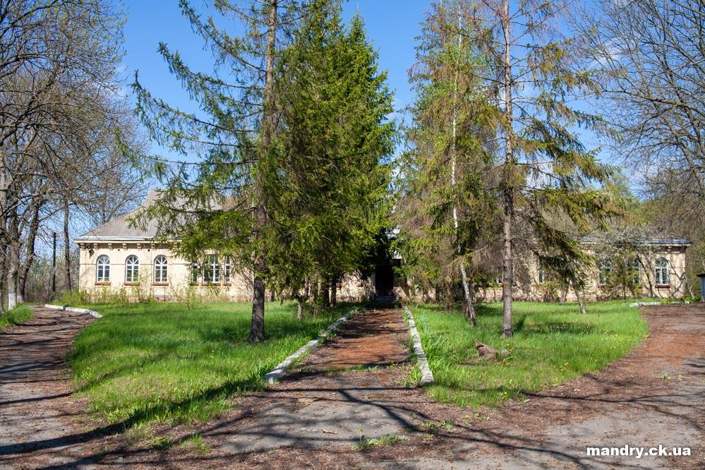 Земська лікарня Стеблів