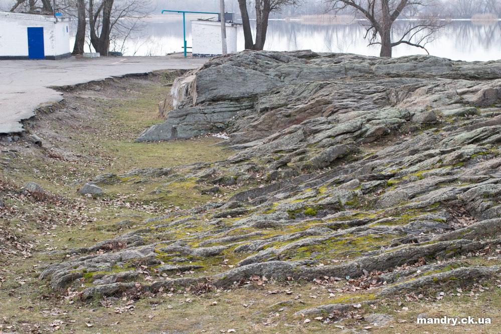 Скеля — гранітний реєстр