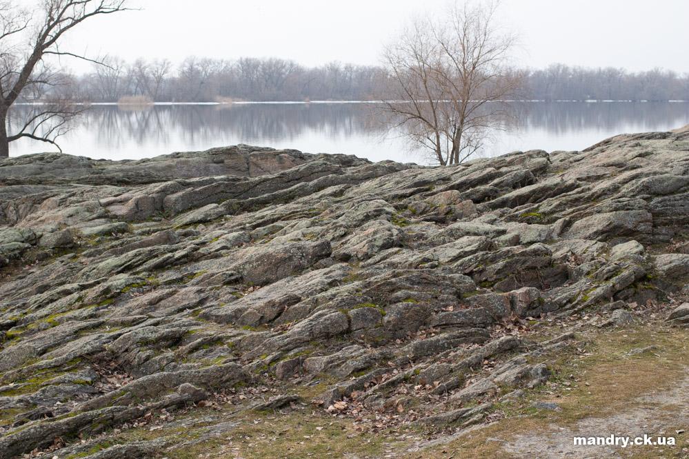 Скеля — гранітний реєстр Кременчук
